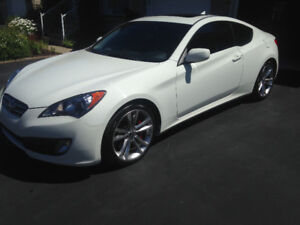 """Hyundai Genesis coupe Gt/cuir/brembo/toit/pharesDHI/roues19"""""""