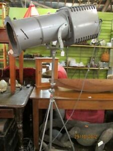 ANTIQUE STAGE LIGHT WITH NEW 1000 WATT BULB and Road case