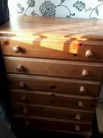 Set of pine draws