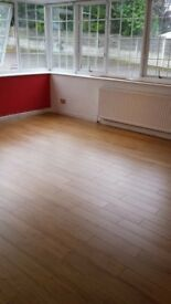 Proffesional laminate flooring and carpet fitting.