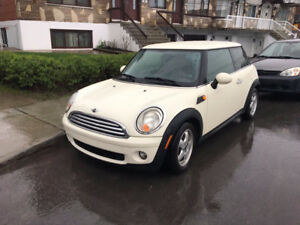 Mini Cooper 2008 AUTOMATIC 1.6L Extremely Economic Car The car i