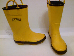 $15 for l LL Bean Kids Size 11 Puddle Stompers Rain Boots!!