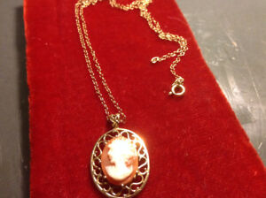 Vintage Antique Art Deco Cameo Pendant and Chain 14K Gold