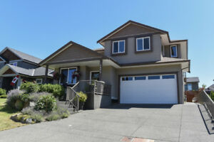 Family home in Comox with legal suite