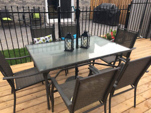 Patio Table and Chairs $150 OBO
