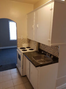 Renovated Downtown 1BR Apartment Available Now or August 1st.