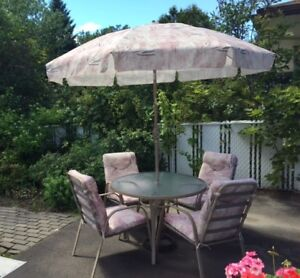 Patio Dining Table with Umbrella & 4 Chairs