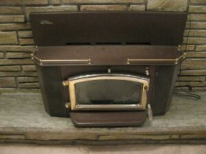 ELMIRA  STOVE  WORKS  WOOD  BURNING  STOVE  **ETCHED  GLASS**