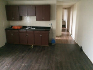 Large2 Bedroom Plus DEN Nicely Renovated Available September 1st
