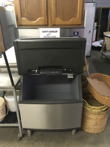 Ice Machine from Coop food store for sale