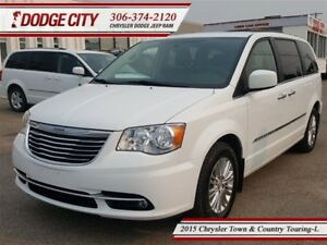 2015 Chrysler Town & Country Touring-L | FWD | PST PAID