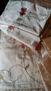 Quilt shams queen and king size duvet set like new