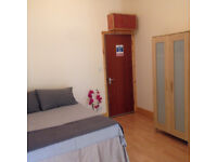 099T-WEST KENSINGTON-DOUBLE MODERN STUDIO FLAT,SEPARATE KITCHEN,FURNISHED,BILLS INCLUDED-£240 WEEK