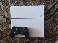 PS4 500GB + 1 Conroller & 2 Games