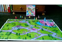 Disney Pretty Princess My Busy Books with 12 figurines and playmat