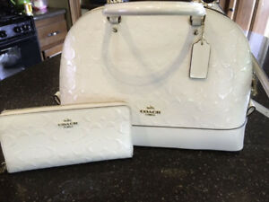 Beautiful gold trimmed white patend COACH matching purse&wallet