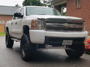 Chevrolet Silverado 4x4 crew cab short box lifted