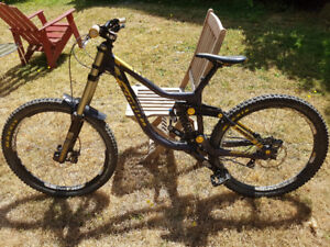 2012 kona operator DH size large + some gear