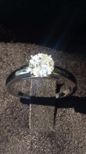 Never Worn !!!Engagement Diamond Ring for SALE!!!
