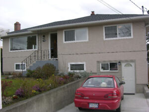 4 Bedroom house with 3 Bedroom suite AVAIL Sept 1