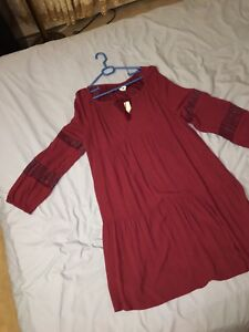 Old navy tall dark red dress with lace arms