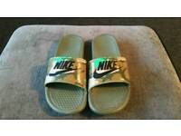 Nike sliders Size 8