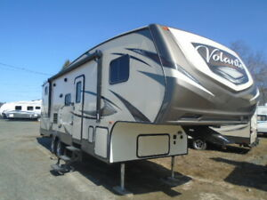 FIFTH WHEEL BLOW OUT!  CROSSROADS VOLANTE 270BH