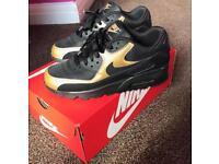 Nike Air Max 90 Gold Premium