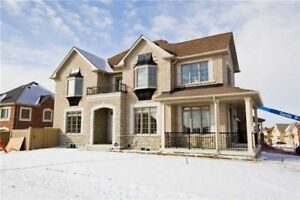 Like New 4 Bedroom Detached Home in Newmarket