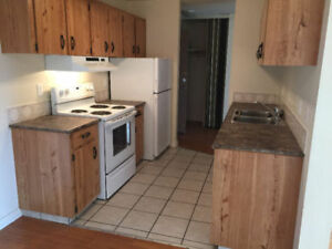 2 Bedrooms-Elevator Family building-Millwoods-Spacious