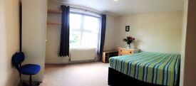 Large Sunny Double Room with Private Bathroom - All Bills - Couples Welcome