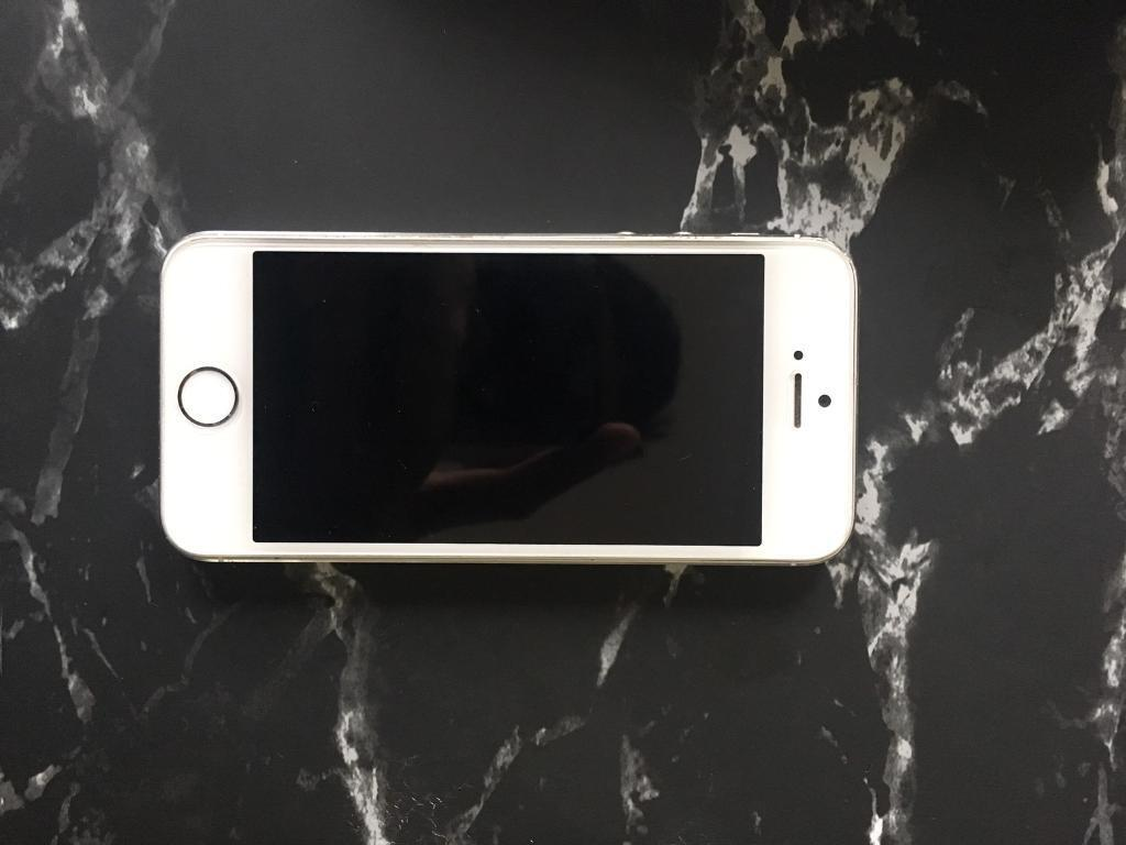 Iphone 5s white 16gb unlocked morphie space pack 64gbin Leith, EdinburghGumtree - Iphone 5s 16gb unlocked, can be used with any simcard. Phone only. Comes with morphie space pack with storage 64 gb. Extra storage and phone for your iPhone. Its still in box. £160 for both
