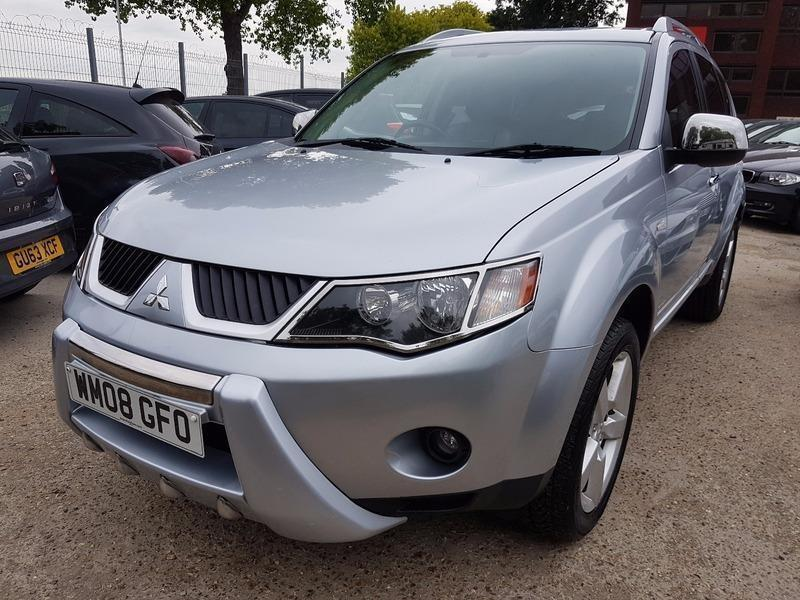 mitsubishi outlander 2 0 di d warrior in heathrow london gumtree. Black Bedroom Furniture Sets. Home Design Ideas