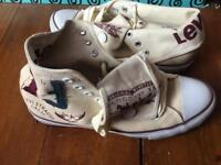 Beige Levi trainers size 6