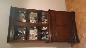 Knechtel Vintage Mahogany China Cabinet (Elora)