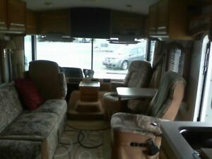 1998 32' Fleetwood Bounder A MUST See  Low Mileage