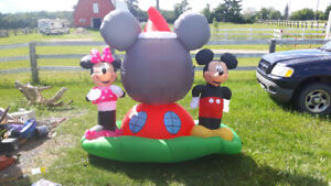 Mickey and minnie inflatable