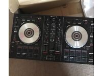 Pioneer ddj sb2 boxed. 4 weeks old. Only bought to use whilst Technics being repaired