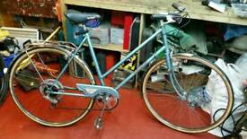 Ladies Vintage Raleigh Estelle bike