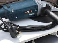 Bosch 9in Angle Grinder 240v