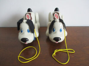 Chien À  Tirer  Playskool  Sonore Comme Neuf $6Chaque