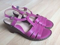 Ladies sandals by Moshulu. Fuchsia colour. Leather. Size 5. Excellent condition.