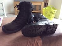 Magnum boots size 5