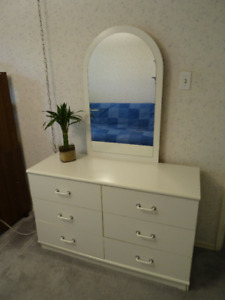 White Dresser with 6 Drawers and a Mirror