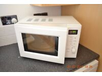 700 W MICROWAVE WITH TURNTABLE & AUTO PROGRAMMES