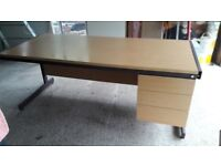 Office desk in good condition