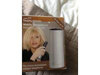 Mobile hair straightener