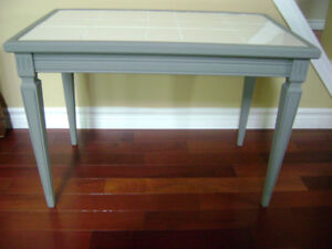 Grey side/coffee table