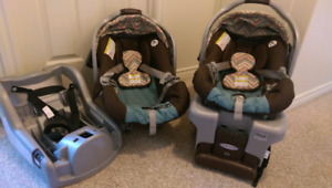 Graco classic connect 30 car seats with base.