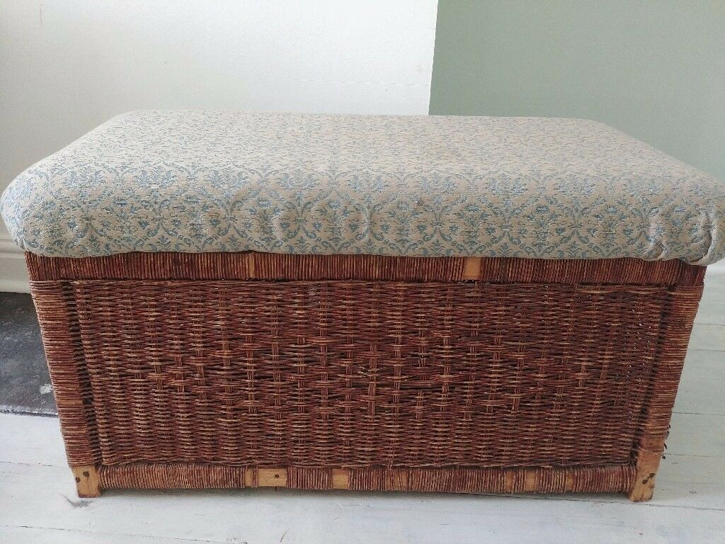 Storage ottoman/seat rattan/wicker with upholstered top